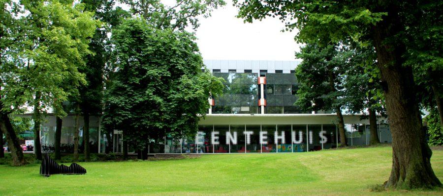 Gemeentehuis Emmen 03